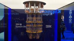 Q System One vnedbalkách. Kredit: IBM.