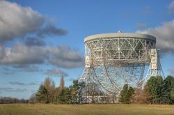 Lovellův teleskop, ikonické zařízení centra Jodrell Bank Centre for Astrophysics. Kredit: Mike Peel; Jodrell Bank Centre for Astrophysics.
