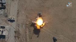Záběr z údajného dronového útoku ISIS na obrněný transportér irácké armády. Kredit: Youtube.