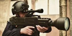 Dostanou čínští policisté a vojáci ruční laserové zbraně? Kredit: South China Morning Post.