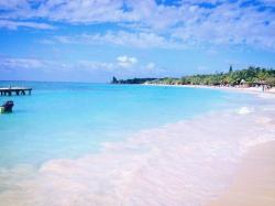 Ostrov Roatan, Honduras. Kredit: Westbrowncanada / Wikimedia Commons.