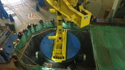 Instalace reaktorové nádoby u bloku Chung-jen-che 5 (zdroj LHNP).