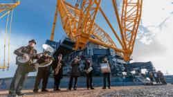 Největší jeřáb SGC-250 vyrobený v Belgii se bude využívat při budování elektrárny Hinkley Point C (zdroj Sarens).