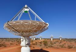 Radioteleskopy soustavy ASKAP vZápadní Austrálii. Kredit: CSIRO.