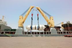 Instalace parogenerátoru třetího bloku v elektrárně Barakah (zdroj ENEC).