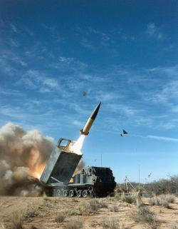 Taktický balistický systém ATACMS. Kredit: US Army.