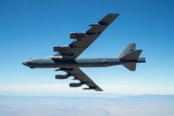 Bombardér B-52 při prvním letu shypersonickou střelou ARRW vroce 2019. Kredit: US Air Force / Christopher Okula.