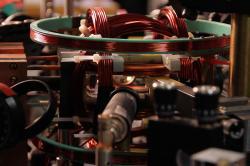 Zařízení na vázání kvantových uzlů. Kredit: Marcus DeMaio / Amherst College.