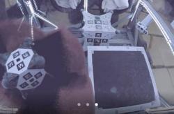 "Hedgehog: vlevo Stanford, vpravo JPL. Provádění manévru ""tornádo"". zdroj: regmedia.co.uk"
