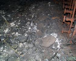 Materiály obsahující i zbytky aktivní zóny (zdroj Černobylská jaderná elektrárna).