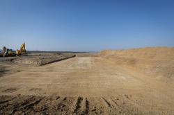 Na jaře roku 2021 začala výstavba laboratoře pro testování kvality betonu, spolu s betonárkami by měla být připravena před zahájením výstavby bloků (Paks II Ltd).