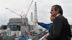 Předseda MAAE Rafael Mariano Grossi při své návštěvě Fukušimy I (zdroj Dean Calma/MAAE).