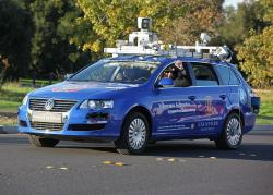 Ka�d� za��tky jsou t�k�. Autonomn� Volkswagen Passat, Stanford University, ��jen 2009. Kredit: Steve Jurvetson / Wikimedia Commons.