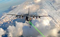 Dnes se letouny brání kinetickými zbraněmi, elektronickým bojem, klamnými cíli nebo klasickým manévrováním. Lasery by mohly výrazně pomoct. Kredit: US Air Force / Julianne Showalter.