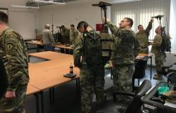 Příprava na elektronický boj, Kredit: US Army.