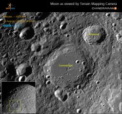 Snímky Měsíce pořízené orbitální částí mise Chandyaan 2 (zdroj ISRO).