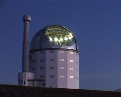 Southern African Large Telescope. Kredit: SALT / Wikimedia Commons.
