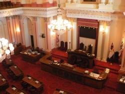Senát státu Kalifornie. Kredit: David Monniaux.
