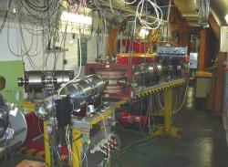 Svazek mikrotronu ÚJF AV ČR lze využít ke sterilizaci zdravotního materiálu (zdroj ÚJF).
