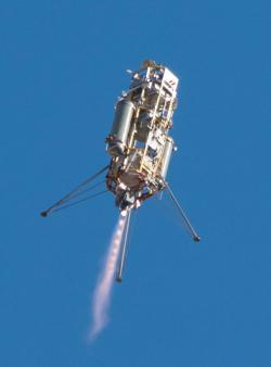 Xombie a ADAPT při letu.  Zdroj: http://www.nasa.gov/