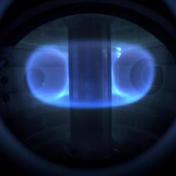 15 milionů stupňů Celsia vnitru tokamaku ST40. Kredit: Tokamak Energy.