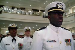 Kadeti ROTC. Kredit: US Navy.