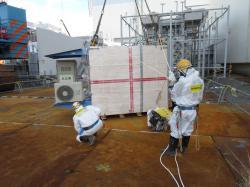 Příprava mionových detektorů pro druhý blok (zdroj IRID).