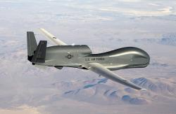 Sofistikovaný výzvědný dron RQ-4 Global Hawk. Kredit: 	U.S. Air Force / Bobbi Zapka.