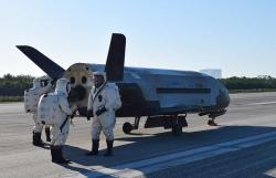 Bezpilotní raketoplán X-37B. Kredit: U.S. Air Force.