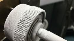 Kolečka z BMG nekřehnou ani při velmi nízkých teplotách. Zdroj: https://www.nasa.gov/
