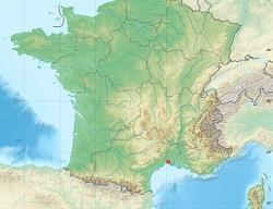 Le Cailar, je dnes zapadlá obec mezi městyNîmesaMontpellierse dvěma tisíci obyvateli. V době železné byla na břehu řeky Rhony, téměř u moře a významným přístavem známým pod jménem Castellus.