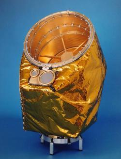 Přístroj CDA (Cosmic Dust Analyzer). Zdroj: http://saturn.jpl.nasa.gov/