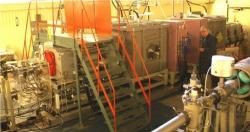 Jedno z nových zařízení – rychlostní filtr SHELS (Separator for Heavy ELemental Spectroscopy) (zdroj JINR Dubna).