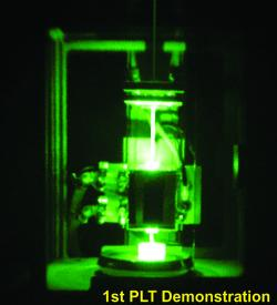 Prvn� test laserov�ho fotonick�ho pohonu v�laborato�i. Kredit: Photon999 / Wikimedia Commons