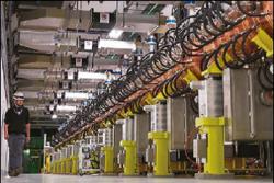 Součástí cesty za zvýšením luminosity i kvality svazku je při současné přestávce náhrada lineárního předurychlovače LINAC-2 zařízením LINAC-4 (zdroj CERN).
