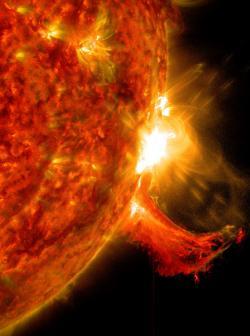 V přírodním termojaderném reaktoru drží plazma pohromadě gravitační síla (zdroj NASA).