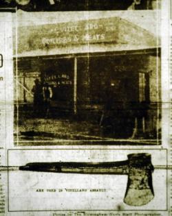 Titulní stránka The Birmingham News. Vztahuje se k události ze dne 23. ledna 1923, kdy byli ve svém obchodě nalezeni Luig Vitellaro (42) se svou manželkou Josephine (32), mrtvi. Luigiho někdo zabil ve chvíli kdy zvedal pytel brambor a jeho manželku když se šla podívat co se stalo. Policie našla zkrvavenou sekeru a nůž zabalenou do novin.  (Kredit:  Jeff Roberts, Birmingham News)