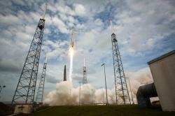 Start mise MAVEN na raketé Atlas V. Zdroj: https://upload.wikimedia.org/
