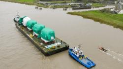 Nádrže pro palivo z dieselagregátů z Česka pro elektrárnu Hinkley Point C (zdroj EDF).