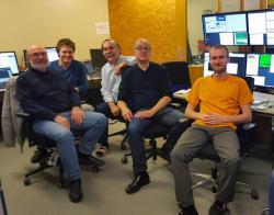 Jedna z nedávných mezinárodních směn na experimentu HADES i s českou účastí (foto GSI facebook)