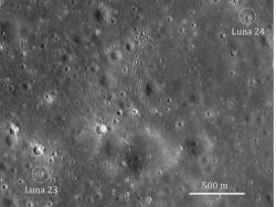 Místa přistání Luny 23 a Luny 24 (zdroj M. S. Robinson et al.).