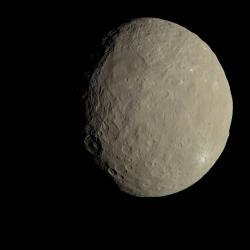 Trpasličí planeta Ceres v barvách. Zdroj: http://www.jpl.nasa.gov/