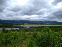 Pro akumulaci by se mohl využít i systém jezer vzniklých v severozápadních Čechách po těžbě uhlí. Pomůže to, ale stačit to nebude. Jezero Milada. (Foto Vladimír Wagner)