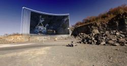 Testování budoucího vozítka pro Měsíc v Kanadě, připojeno i jeho virtuální zobrazení (zdroj ESA).