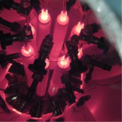 Testy přenosu tepla pomocí pasivního systému teplovodných trubek vyplněných tekutým sodíkem s  teplotou přes 800˚C. (Zdroj: M A. Gibson et al, Report NASA)