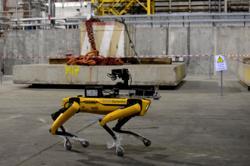 V novém sarkofágu se testoval spolu s dašími roboty a automaty i robopes (zdroj Černobylská jaderná elektrárna).