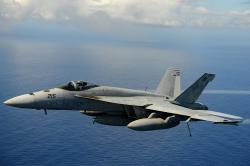 Soudobý víceúčelový bojový letoun US Navy Boeing F/A-18E Super Hornet. Kredit: MCSA Ignacio D. Perez / Wikimedia Commons.