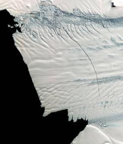 Pine Island - mediální hvězda katastrofálních nadcházejících změn. (západní Antarktida). Kredit: NSIDC