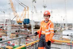 Na stavbě Hinkley Point roste počet nových pracovníků (zdroj EDF).