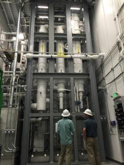 Testovací zařízení firmy Kurion pro odstranění tritia z vody (zdroj Kurion).